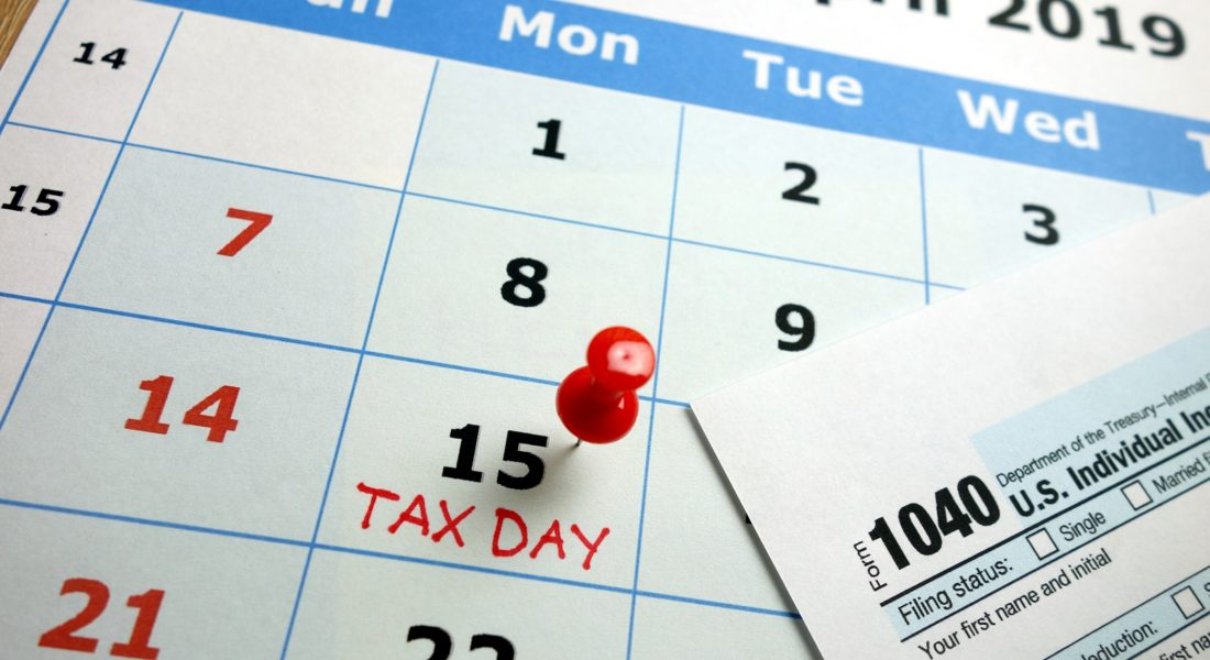 Calendar And Irs 1040 Form